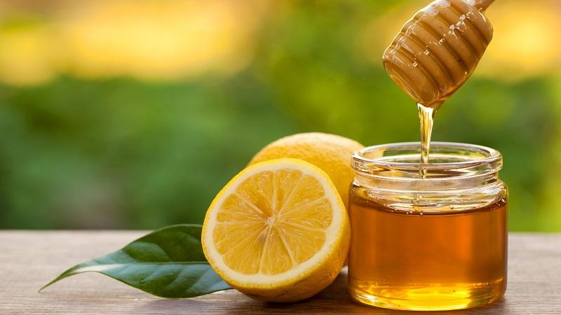 Bà bầu bị hôi miệng phải làm sao? Dùng chanh với nước mật ong để điều trị hôi miệng