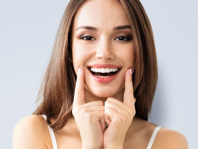 Không chỉ đảm bảo tính thẩm mỹ, phương pháp này còn giúp ngăn chặn các bệnh lý về khoang miệng
