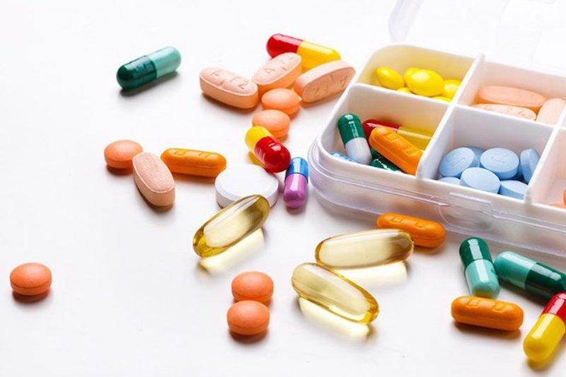 Dùng thuốc Tây y để giảm nhanh chóng các triệu chứng bệnh
