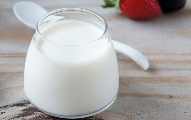 Nên ăn gì để không bị hôi miệng? Sữa chua không đường