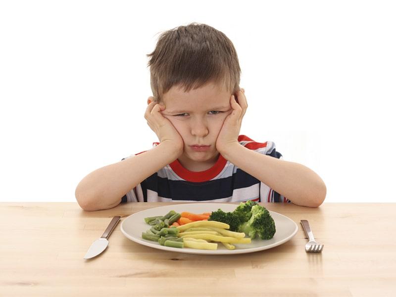 Tưa lưỡi khiến cho trẻ chán ăn, lâu dần gây chậm lớn, còi xương, suy dinh dưỡng