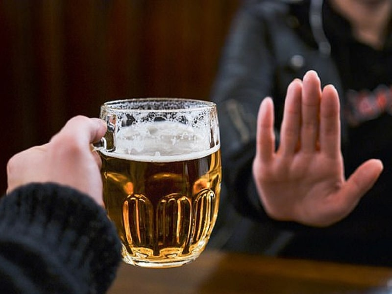 Bỏ hẳn rượu bia, đồ uống có cồn, chất kích thích hay thuốc lá để phòng ngừa bệnh