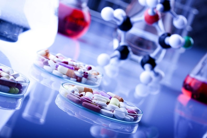 Thuốc Tây y được chỉ định thêm kết hợp điều trị ngoại khoa, chuyên sâu