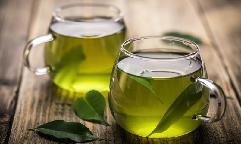 Nước trà xanh có thể dùng để sát khuẩn rất tốt
