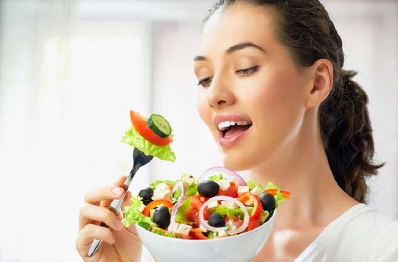 Thói quen ăn uống lành mạnh sẽ giúp tăng cường sức khỏe răng miệng