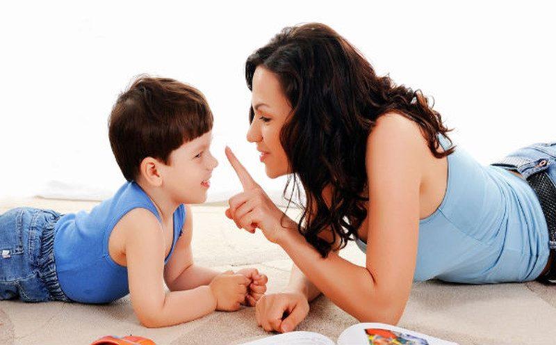 Cha mẹ hãy trò chuyện cùng con về quá trình thay răng để chuẩn bị trước tâm lý cho bé