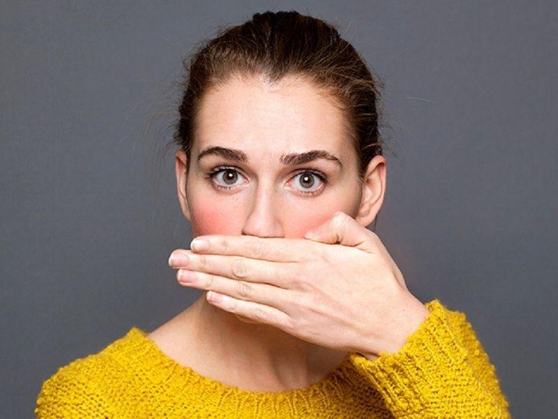 Ở một số bệnh nhân sau khi phục hình răng có thể gây ra tình trạng hôi miệng