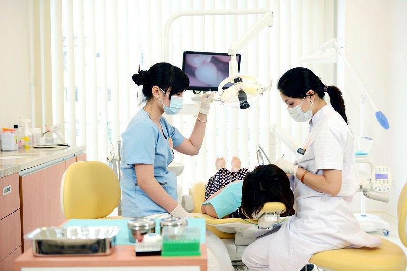 Quy trình trồng răng cần được thực hiện bởi người có chuyên môn cao